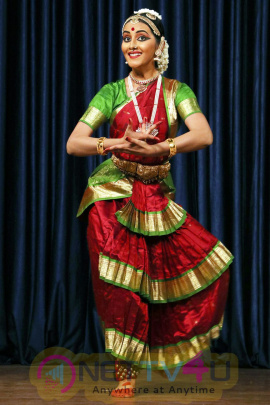 Actress Archna Sharma Arangetram Photos Tamil Gallery