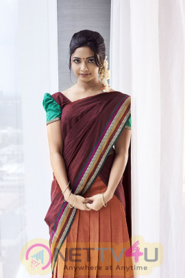 Actress Kamna Good Looking Stills Tamil Gallery