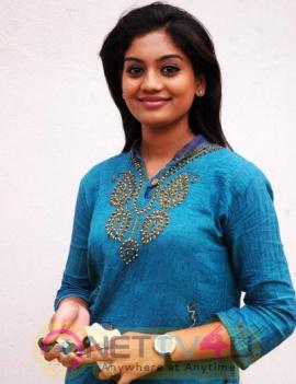 Actress Karuna Bhushan Beautiful Images