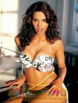 Actress Mallika Sherawat Hot Images