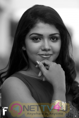Actress Riythvika Attractive Images
