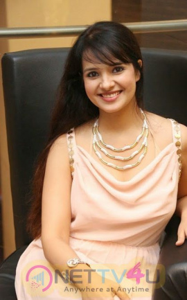 Actress Saloni Aswani Hot Images Telugu Gallery