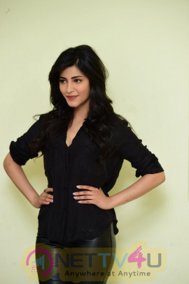 Actress Shruti Haasan Latest High Quality Stills Telugu Gallery