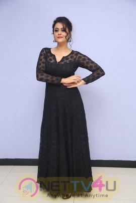 Actress Shruti Sodhi Gorgeous HD Stills At Meelo Evaru Koteeswarudu Audio Launch