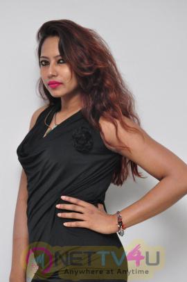 Actress Sonia New Glamour Photos Telugu Gallery