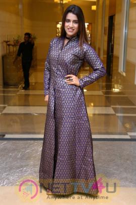 Actress Yasmin Pathan Attractive Stills