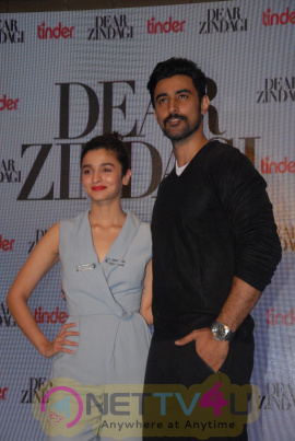 Alia Bhatt & Kunal Kapoor Promotion Interview For Dear Zindagi Photos