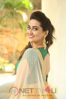 Anchor Manjusha Beautiful Pics At Saptagiri Express Movie Motion Poster Launch