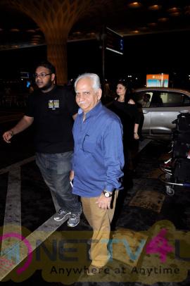Anil Kapoor & Hrithik Roshan & Deepika Padukone Spotted At Airport Attractive Photos Hindi Gallery