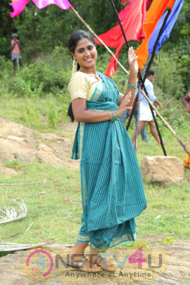 Antha Kuyil Neethana Tamil Movie Excellent Stills Tamil Gallery