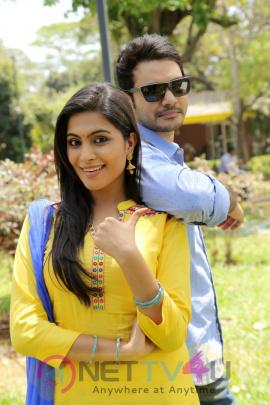 Aalukku Paathi 50-50 Tamil Movie New Latest Stills Tamil Gallery