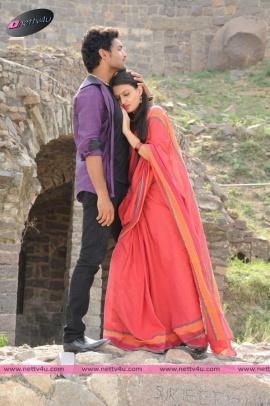 Actor Ajmal's Mella Thiranthathu Manasu Movie Photos
