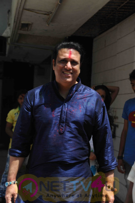 Actor Govinda Celebrates Holi 2016 With His Family Photos Hindi Gallery