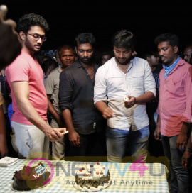 Actor Kalaiarasan Birthday Celebration With Pattinapakkam Team At Shooting Spot Stills Tamil Gallery