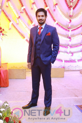 Actor Nakul Sruti Wedding Reception Stills Tamil Gallery