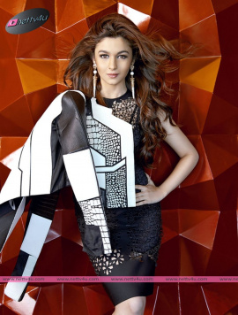 actress alia bhatt charming photos new look