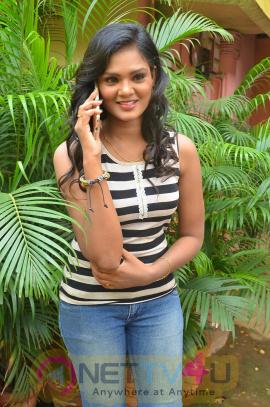 Actress Bharatha Naidu Interview Photos Tamil Gallery
