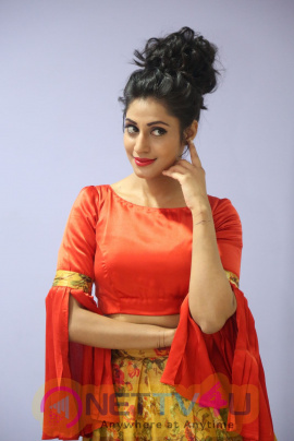 Actress Iraa Photos & Hot Images Telugu Gallery