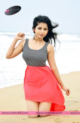 actress iswarya menon new photo shoot 01