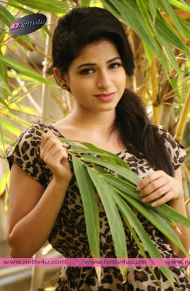 actress iswarya menon new photo shoot 05