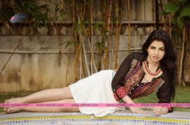 actress iswarya menon new photo shoot 06