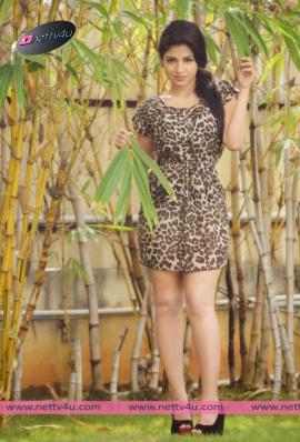 actress iswarya menon new photo shoot 07