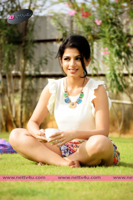 actress iswarya menon new photo shoot 10