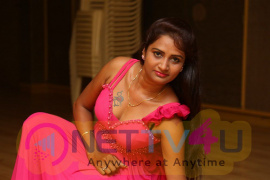 actress kaveri in pink dress photo gallery