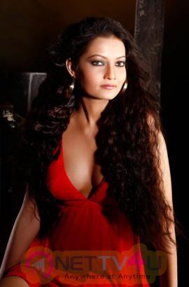 Actress Sanam Jain New Photo Shoot Images Hindi Gallery