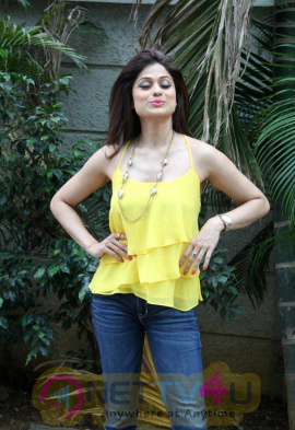 Actress Shamita Shetty Stills At Jhalak Dikhla Jaa 8