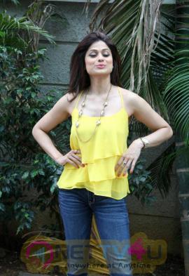 actress shamita shetty stills at jhalak dikhla jaa 8
