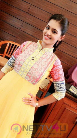 Actress Swathishta Krishnan Glamour Photos