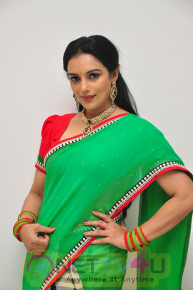 Actress Swetha Menon Latest Stills