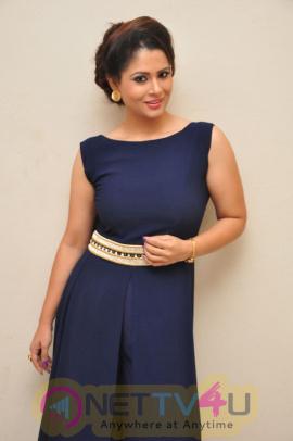 Anchor Shilpa Chakravarthy Hot Photo Shoot Stills