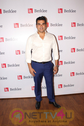 Arbaaz Khan & Priya Dutt At Red Carpet Of A R Rahman Music Concert Exclusive Stills Hindi Gallery