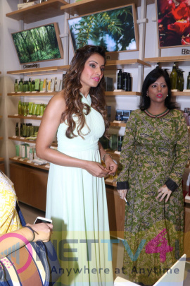 Bipasha Basu Launches Korean Naturalism Beauty Brand Innisfree Amazing Stills Hindi Gallery