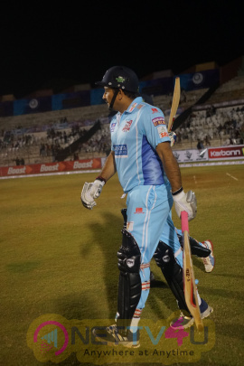 bhojpuri dabanggs vs punjab de sher match ccl 6 2016 images