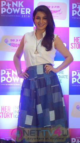 Bollywood Actress Tisca Chopra Spotted At The Felicitation Ceremony Of Pink Power 2016 Winners Photos Hindi Gallery