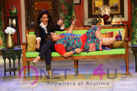 Bollywood Actresses Tabu And Juhi Chawla On Comedy Night Live Sets Photo Shoot Images  Hindi Gallery