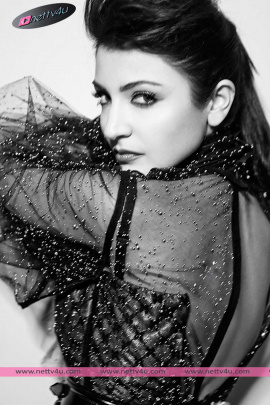 bollywood cute actress anushka sharma glamorous photoshoot