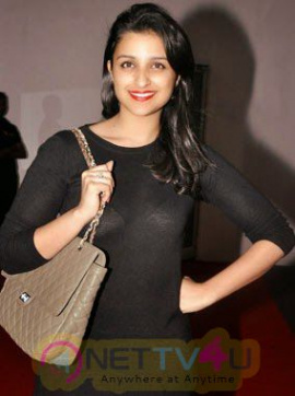 Cute Parineeti Chopra Bollywood Heroine Hot Pics