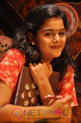 Debutant Actors For The Movie Natchathira Jannalil Movie Tamil Gallery