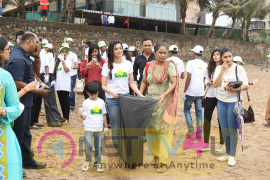 Divya Khosla Kumar & Smile Foundation Join Swachh Bharat Campaign Photos Hindi Gallery