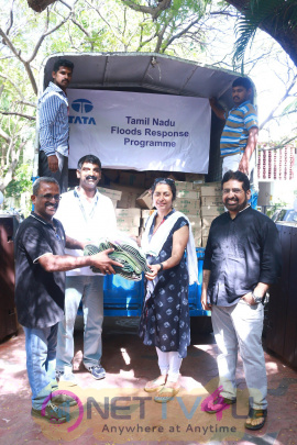 director maniratnam and suhasini maniratnam s  naam  foundations distribution of flood relief materials images