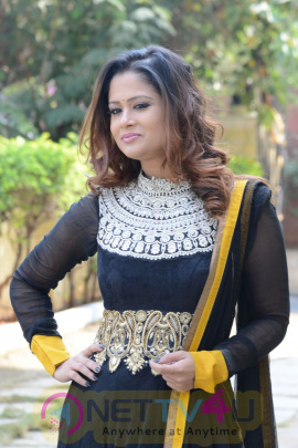 exclusive photos telugu anchor shilpa chakravarthy