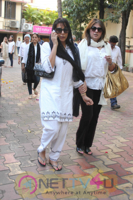Funeral Of Late Wrestler Cum Actor Dara Singh's Wife Surjit Kaur Randhawa Hindi Gallery