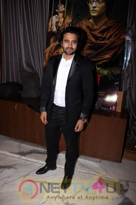 Good Looking Stills Of Randeep Hooda At The Success Party Of Film Sarabjit Hindi Gallery