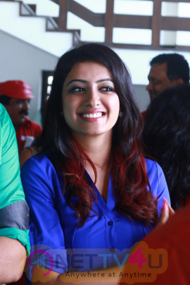 Ganesh And Nisha Celebrate Valentine Day With Cinema Rendezvous Photos Tamil Gallery