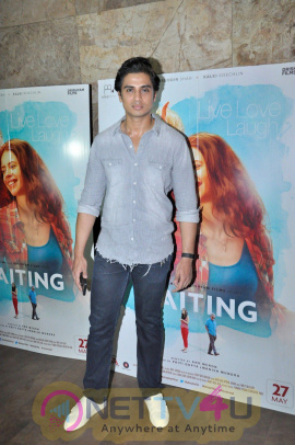High Quality Photos Of Rajkumar Rao At The Screening Of Film Waiting