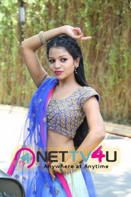 hot actress bhavya sri pics at silk india expo launch